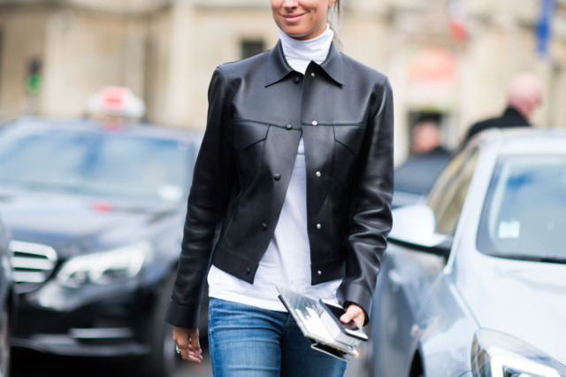paris fashion week pfw street style elle jeans white turtleneck mockneck mock neck funnel nek black matte blazer jacket collared jacket