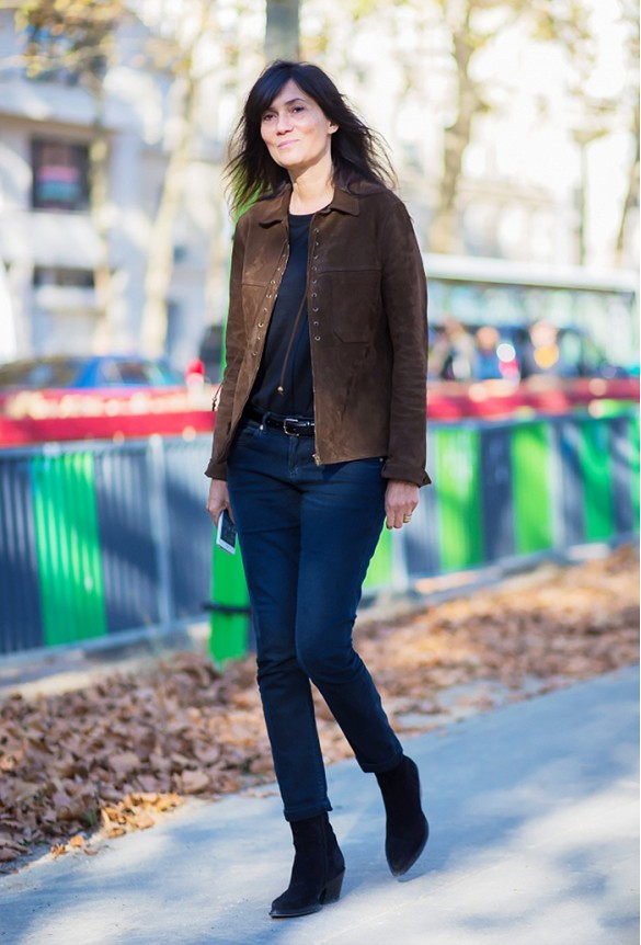 how to wear brown and black, suede jacket cropped jeans black tee black booties french style