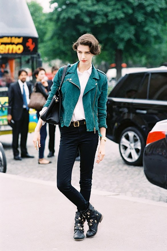emerald green sude jacket black skinnies belt white oxford shirt button up shirt black moto boots mode off duty style fall otufits weekend vanessa jackman