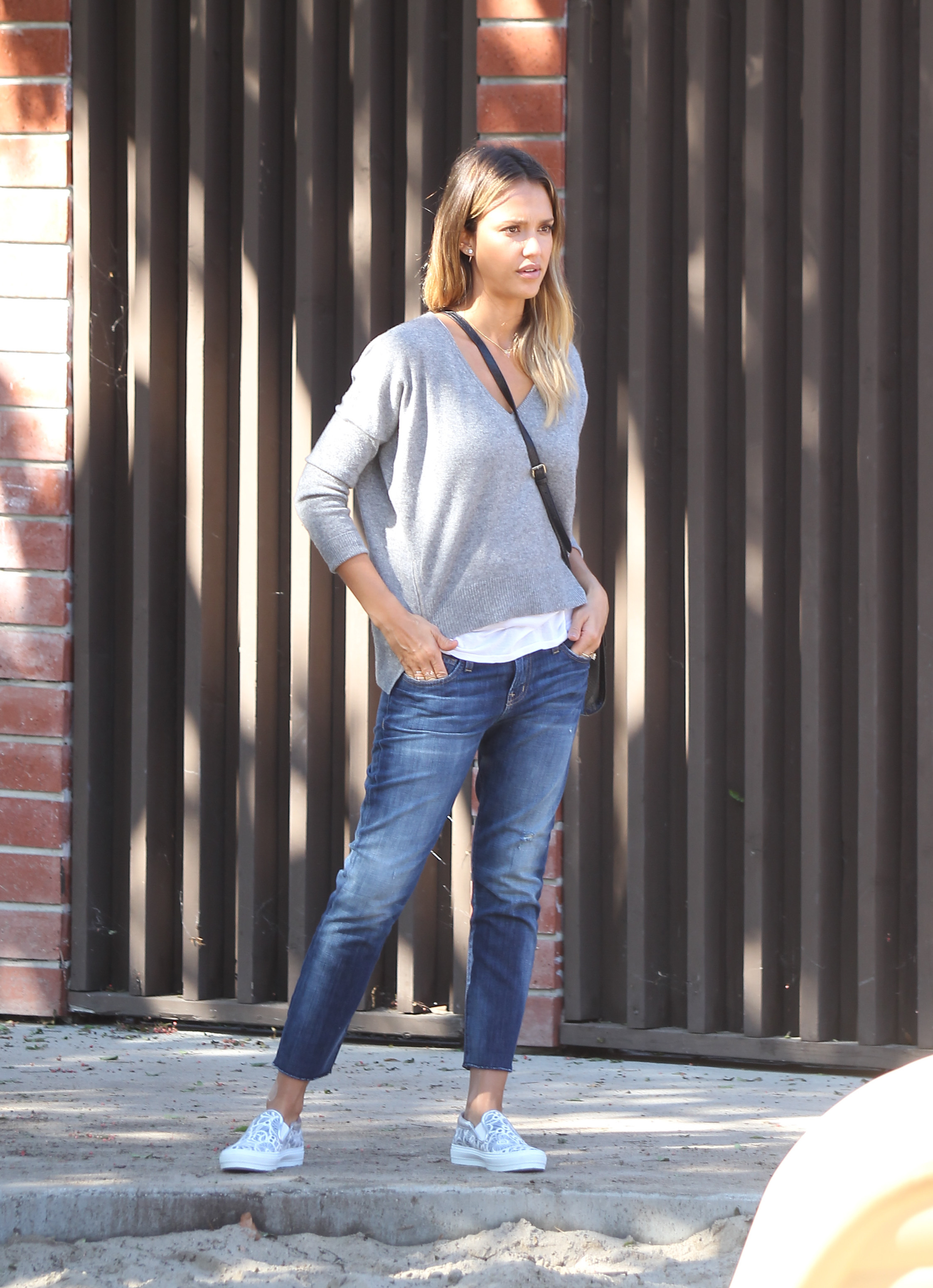 Jessica Alba Cropped Jeans White Tee Grey Sweater Mom Style Weekend Style Closetful Of Clothes