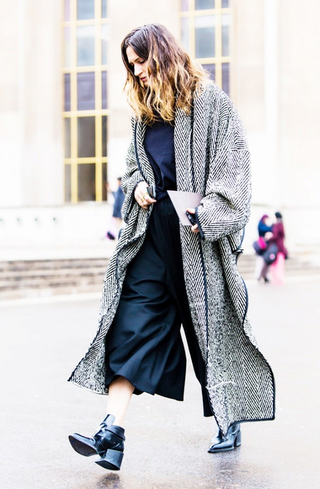 blanket coat-culottes-chelsea boots-fahsionably in vogue
