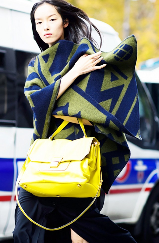 blanket coat scarf-yellow bag-via le 21eme