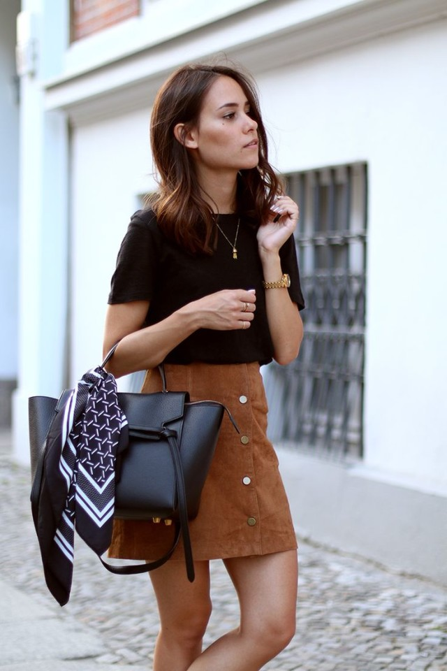 how to wear brown and black-brown suede skirt-scarf bag-teetharejade.com