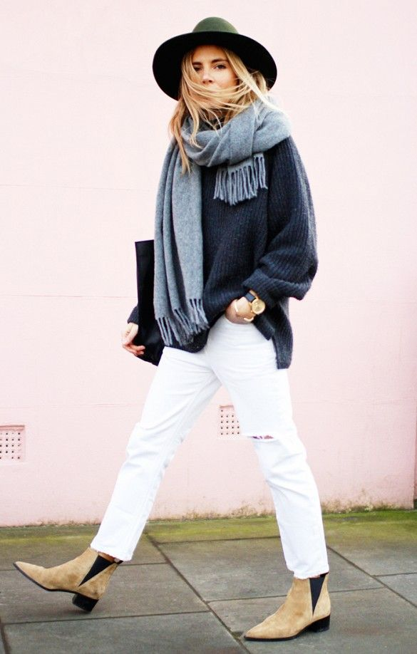 winter outfits, white jeans, blanket scarf, oversized navy sweater, blue, hat, chelsea boots, winter weekend outfit