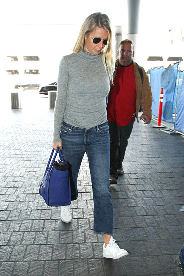 what to wear this weekend, grey turtleneck, cropped jeans, sneakers, gwyneth paltrow