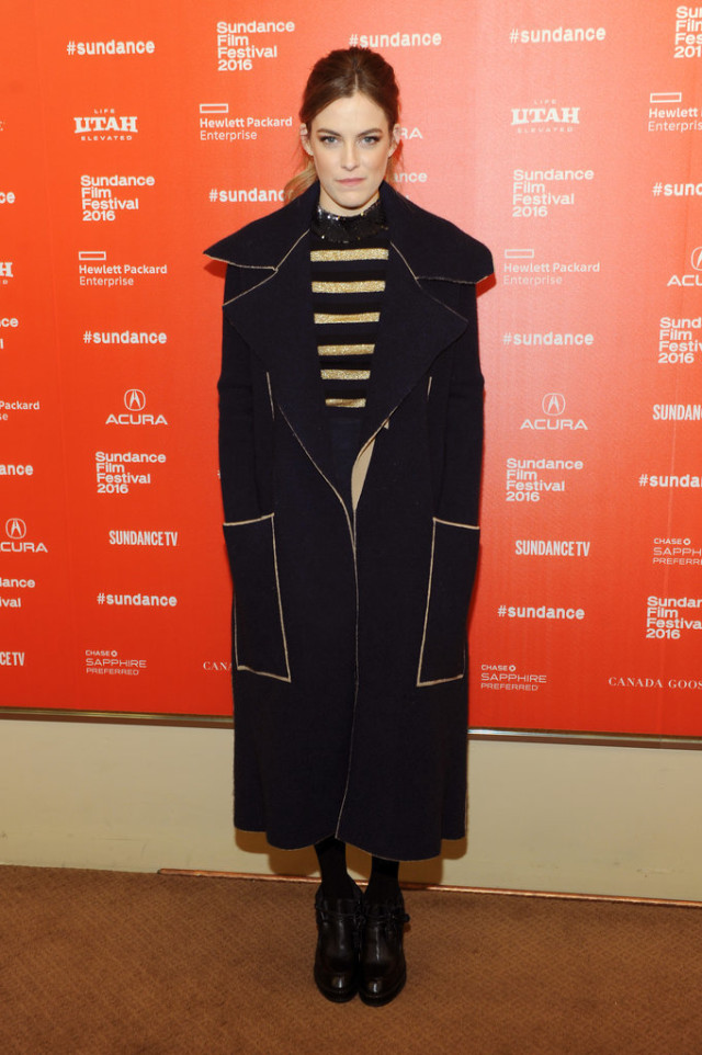 sundance film festival, snow outfits, Riley-Keough, striped sweater, cape
