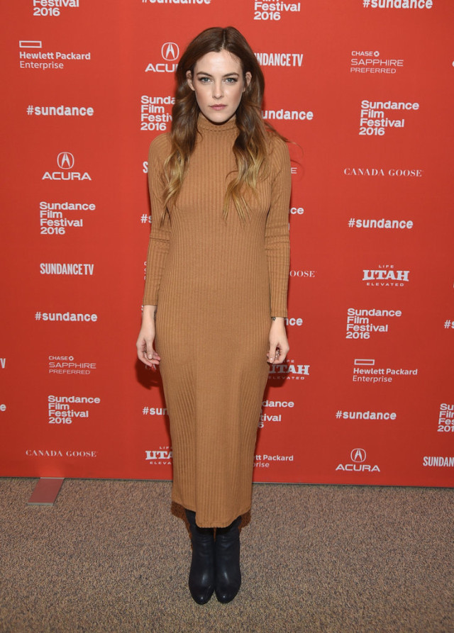 Riley-Keough- sundance film festival, snow outfits, turtleneck sweater dress, ankle boots