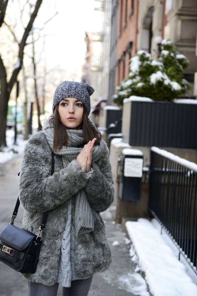 all grey-grey fur coat-winter weekend outfit-brunch outfit-lovely pepa