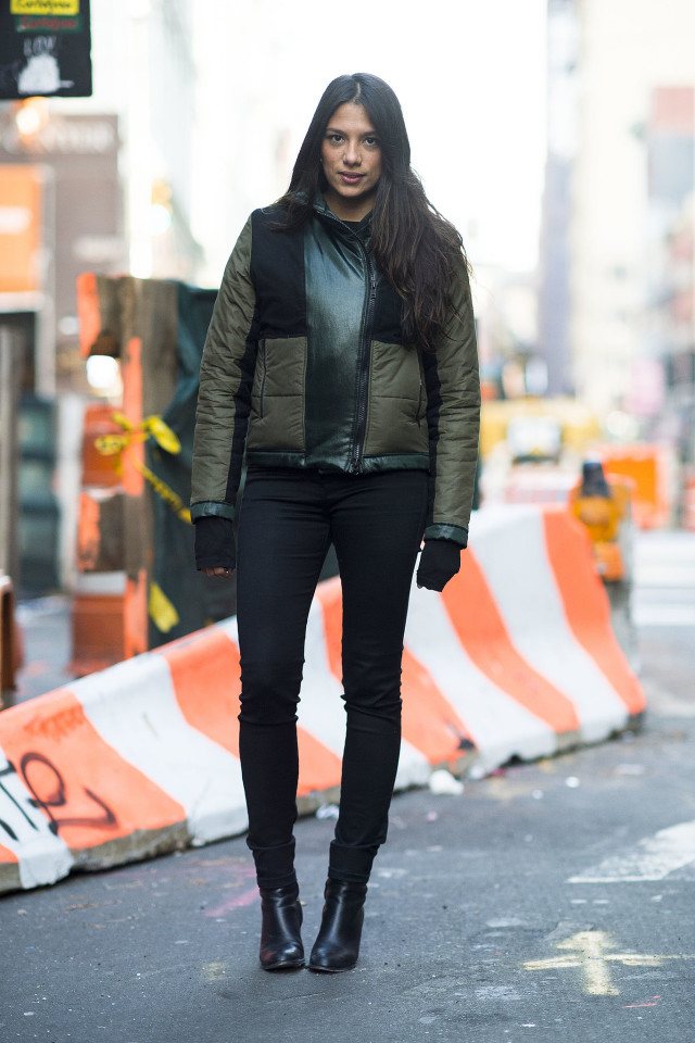 black skinnies-ankle boots-puffer jacket-layering-winter outfits-what to wear when its freezing