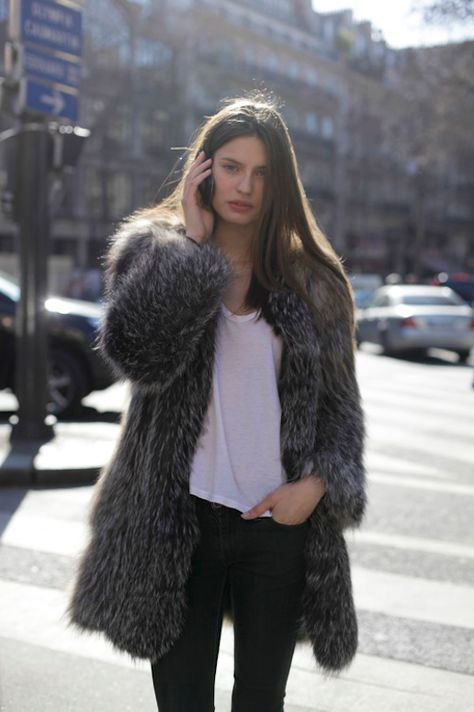 bloglovin  sc 1 st  Closetful of Clothes & How To Wear a Fur Coat (Without Looking Over The Top) u2013 Closetful of ...