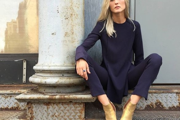 gold booties-monochormatic-navy-tunic top and pants-chic work outfit fall winter work outfit-adakokosarstories insta