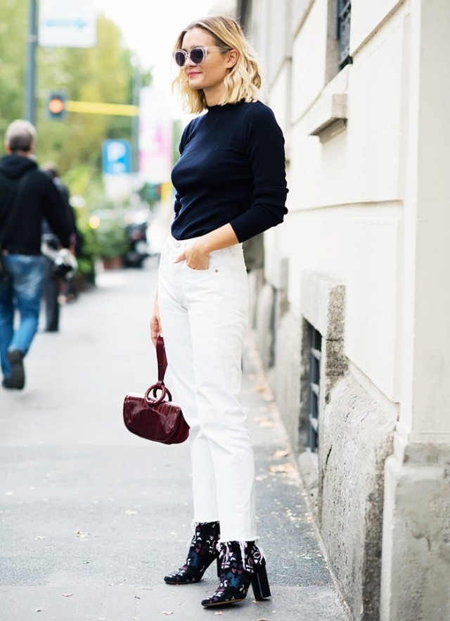 jeans booties-mom jeans-white jeans-turtleneck-navy-navy and white-printed boots-jeans and booties-frayed-cropped jeans and boots-