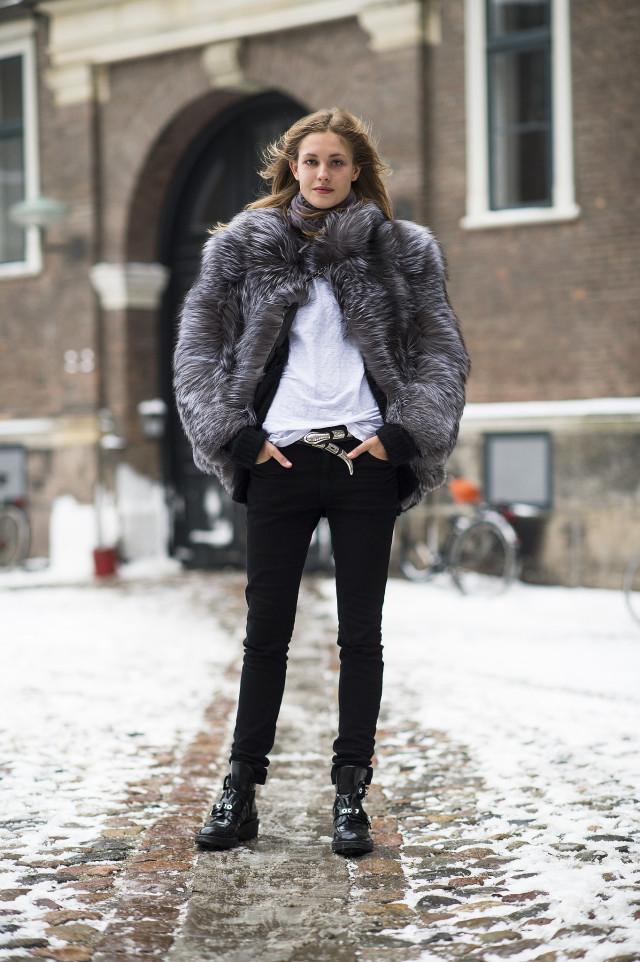 moto combat boots-model off duty style-fur coat-black skinny jeans-white tee-winter outfit-night out outfit-winter style-what to wear when its freezing outside-snow outfit