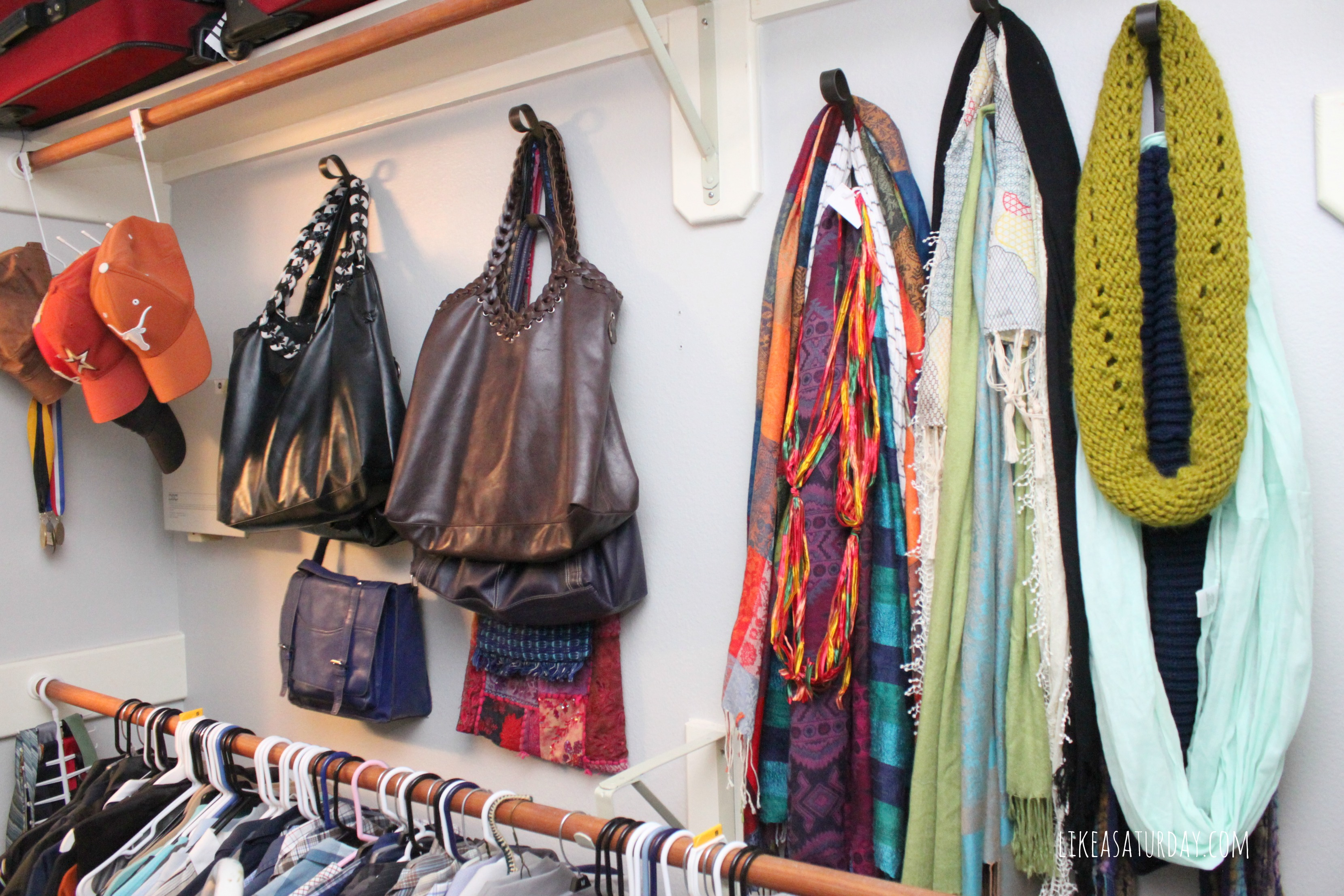 How To Organize Your Purses Closetful Of Clothes