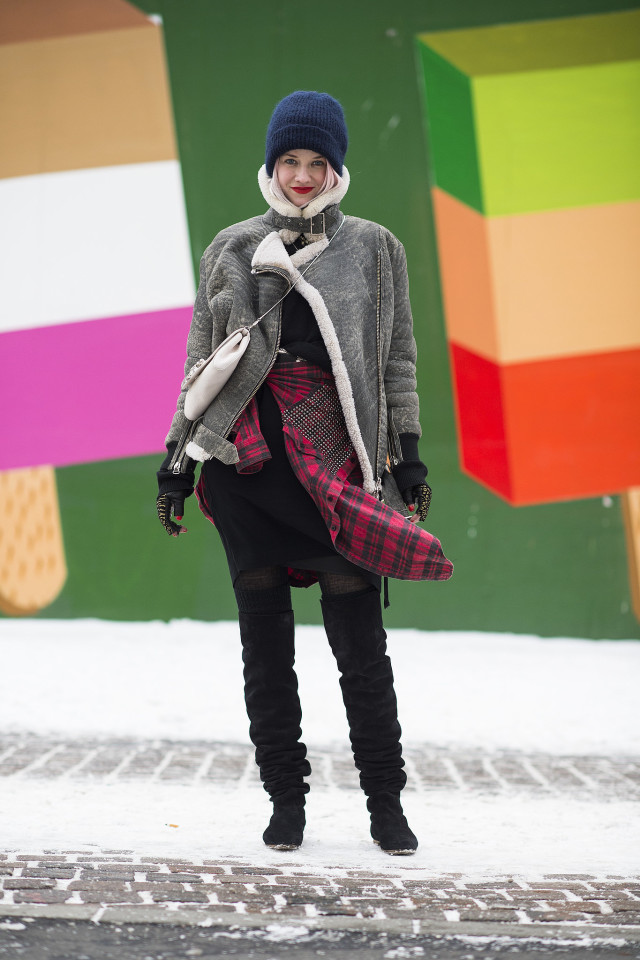 snow outfits, what to wear in a snowstorm, winter outfit, winter outfit-what to wear when its freezing outside-winter layers-snow outfit-over the knee boots-skirt in winter-fingerless cgloves-shearling moto jacket-plaid shirt around waste-edgy grungebeanie
