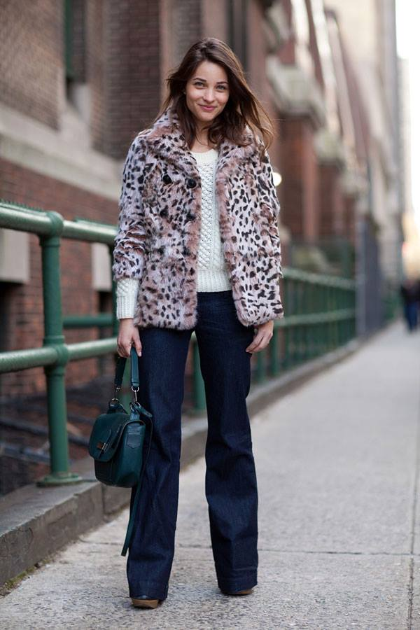 what to wear to work this winter, winter outfit, fur coat, animal fur coat, flare jeans, fisherman sweater