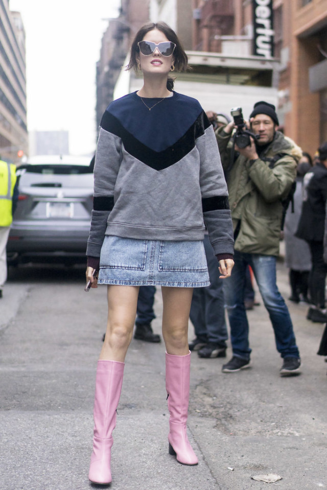 nyfw street style, graphic sweater, denim skirt, pink booties mod boots