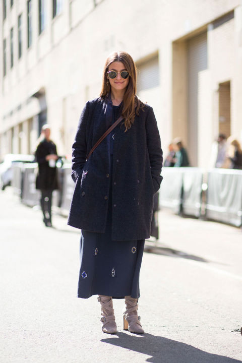 amanda weiner-navy coat-printed dress-maxi dress in winter-grey booties boots-winter outfits-what to wear when its freezing-nyfw 2016 street style-hbz