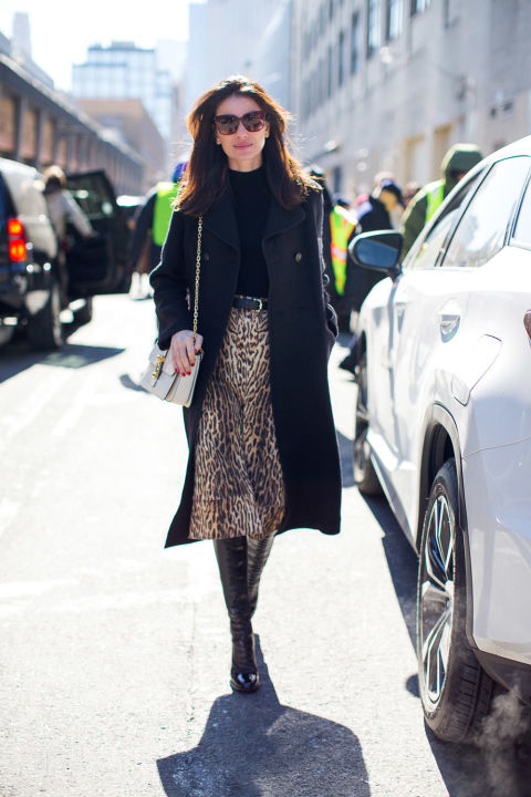 animal prints-midid skirt-boots and skirt-navy coat-turtleneck-leila yvarai-winter outfits-what to wear when its freezing-nyfw 2016 street style-hbz