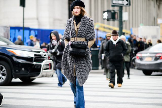 belted jacket-belted scarf-style hack-winter beret-flares-trench coat-turtleneck-nyfw street style-elle, nyfw street style, nyfw fall/winter 2016, new york fashion week, winter to spring dressing, winter outfits, what to wear when it's freezing, layering, layers,