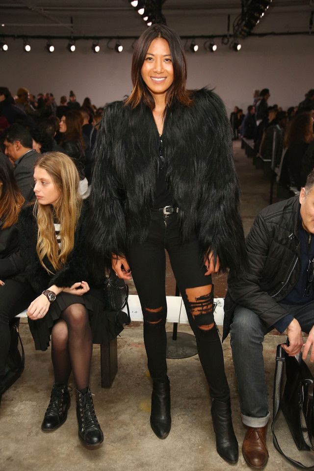 nyfw, black skinnies, black distressed denim, black fur coat, what to wear, what to wear this weekend, night out, going out
