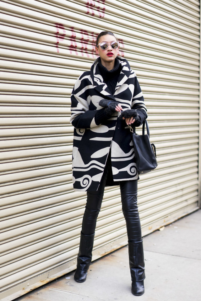 black leather skinnies-black boots-all black-fingerless gloves-black and white graphic coat-statement coat-weekend going out night out-nyfw street style-wheresmydriver insta, nyfw street style, nyfw fall/winter 2016, new york fashion week, winter to spring dressing, winter outfits, what to wear when it's freezing, layering, layers,
