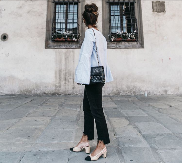 block heels-chanel two tone heels-black skinnies-frayed black skinnies-wide bell sleeves-oversized sleeves cuffs-spring-work outfit-weekend-going out-instagram