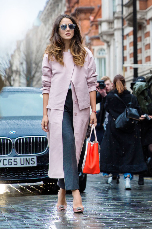 blush coat-cropped pants-jeweled manolo pumps-grey and blush-work outfit-lfw street style-psuk