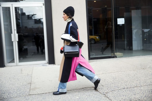 colorblock coat-cuffed jeans-beanie-turtleneck-winter outfit-weekend outfit-
