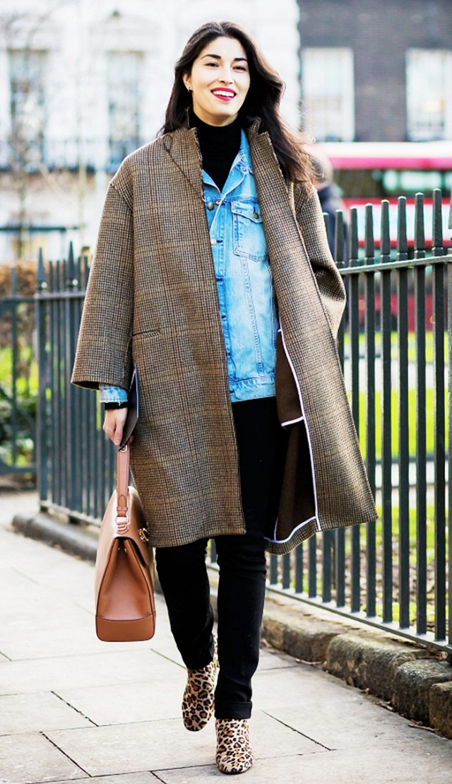 denim-jacket-in-winter-layers-double-jackets-winter-work-outfit-black-skinnies-turtleneck-houndstooth-coat-glen-plaid-coat-caroline-issa-