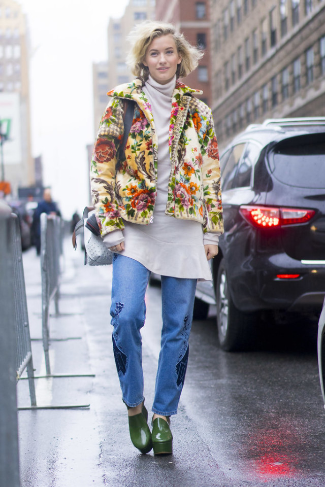 dress over pants-ruffle hem-floral jacket-rain boots shoes-platform loafers-nyfw street style-ps