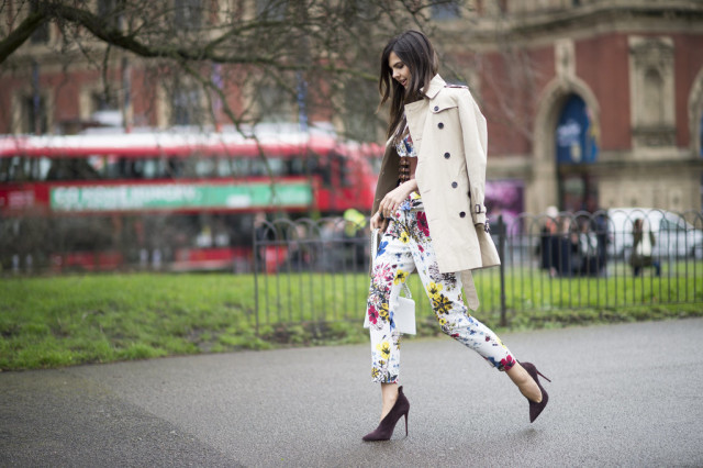 floral pants suit-glove shoes-trench coat-belt-lfw street style-psuk