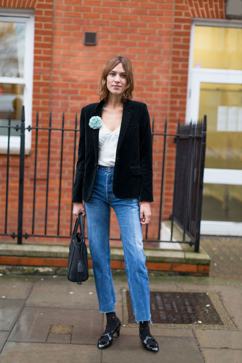 frayed denim-socks-velvet blazer-broach-brooch-cami-alexa chung-work weekend out night out-fw street style-hbz