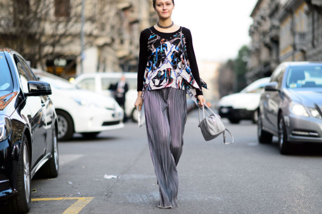 giong out shirt over long sleeves-cami over long sleeves-choker-palazzo pants-striped pants-pleated pants-mfw street style-winter to spring transitional dressing-elle