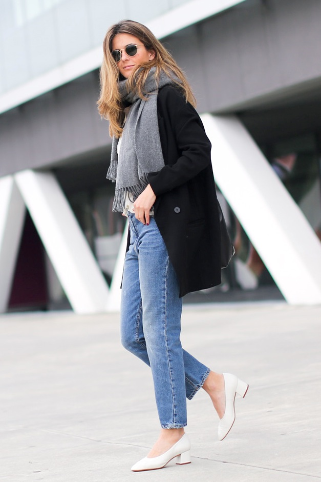 glove shoes-mom jeans-layers-transitional dressing-weekend fall spring-via cloclochet
