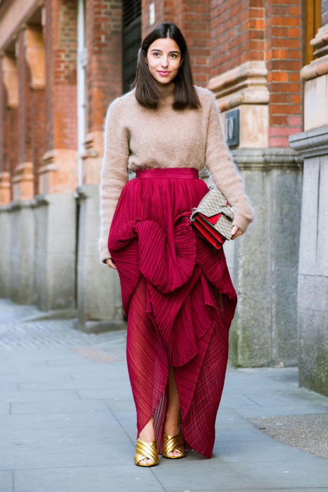 gold mules-turtleneck sweater-ruffled skirt-lfw street style-psuk