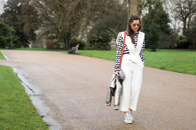 jumpsuit in winter-graphic print-silver shoes-metallic shoes-lfw street style-psuk