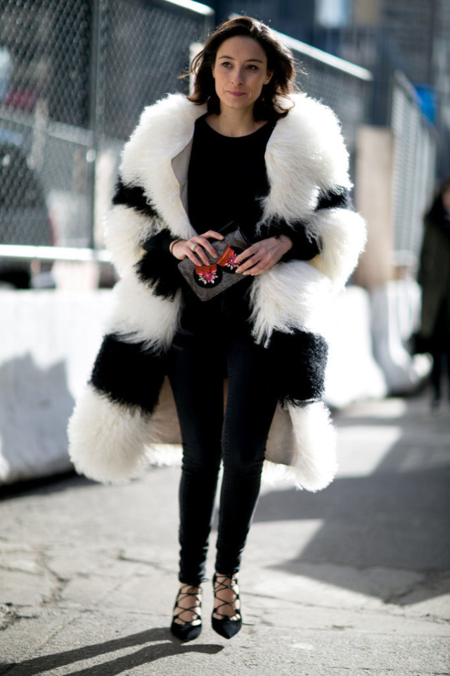 lace up shoes-all black-black and white fur coat-striped fur coat-black skinnies-winter going out night out outfit-nyfw street style-nyfw street style, nyfw fall/winter 2016, new york fashion week, winter to spring dressing, winter outfits, what to wear when it's freezing, layering, layers,