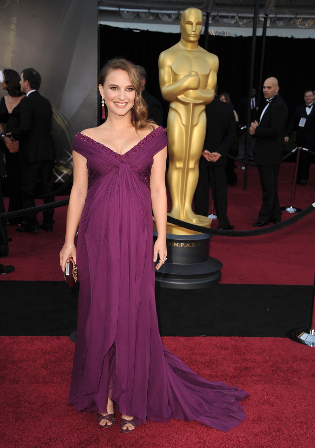 Natalie Portman arrive at the 83rd Annual Academy Awards at the Kodak Theatre on February 27, 2011 in Hollywood, California. (Photo by Steve Granitz/WireImage)