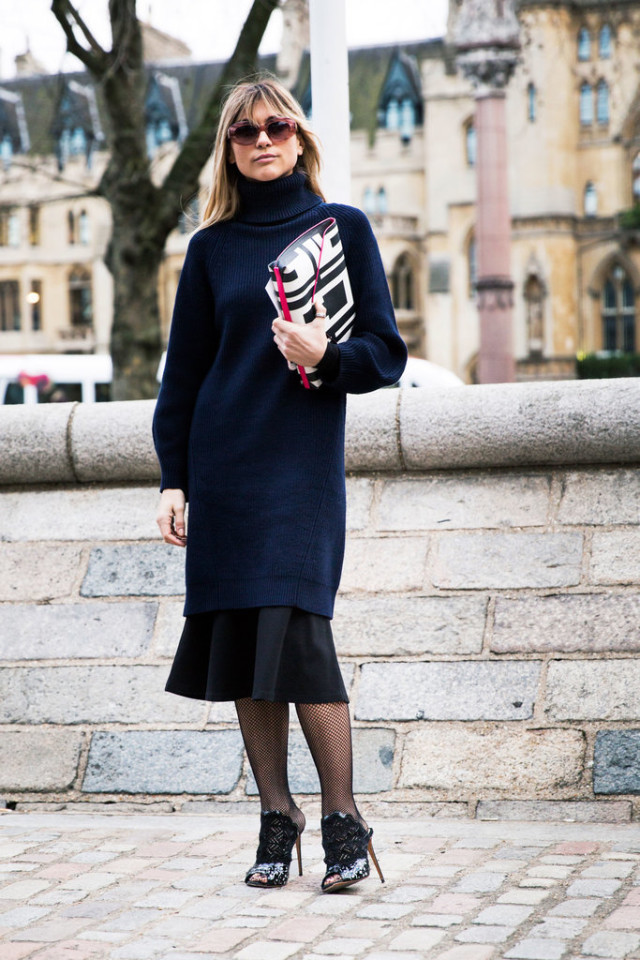 navy and black-oversized sweater-tunic sweater-tulip skirt-fishnetsmules-winter work-sweater over dress-sweaters and skirts-lfw-psuk