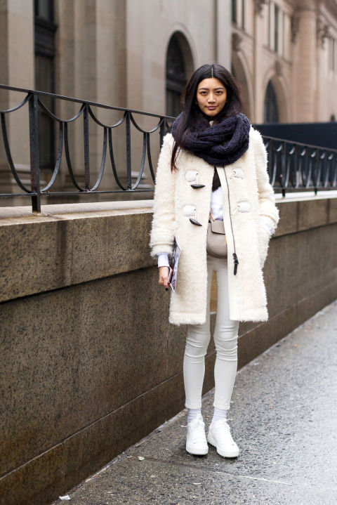 nyfw 2016 street style hbz-white jeans-white furry coat-socks tights and jeans-scarf-all white-white sneakers-wekeend outfit