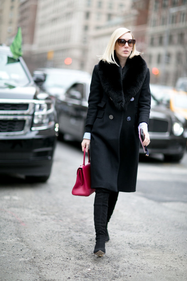 nyfw street style-fur trim coat-black coat-jane keltner-red bag-black suede boots-nyfw street style-ps