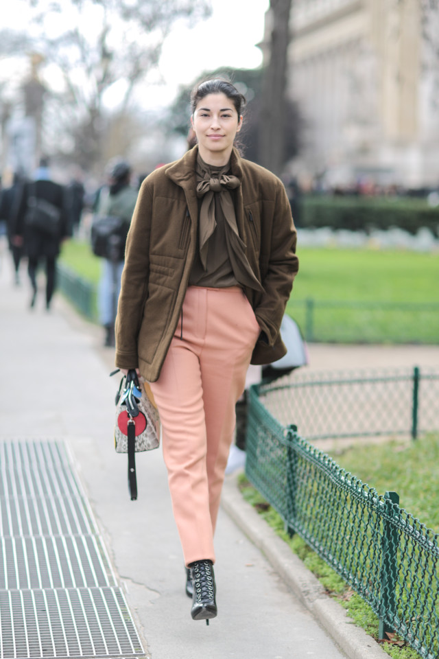 caroline issa, how to wear tie neck blouses, peach and brown