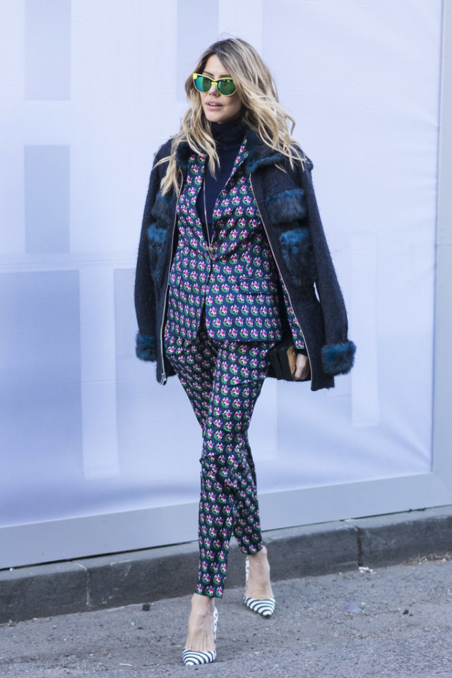 printed pants suit-pantssuit-striped heels-navy turtleneck-floral suit-furry coat-nyfw street style-wheresmydriver-insta