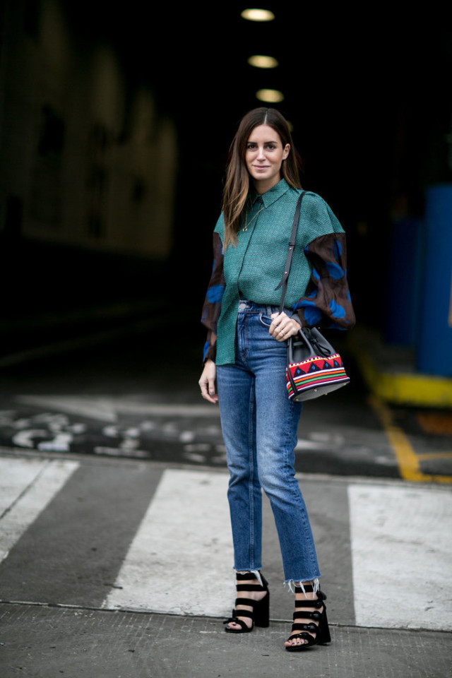 puff sleeves-mixed prints-oversized sleeves-high waisted jeans-cropped jeans-frayed denim-platform stack heel sandals-nyfw street style-winter to spring transitional dressing-ps