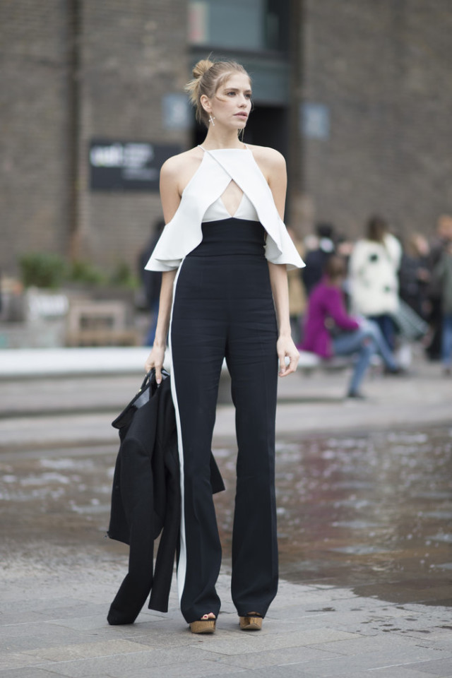 racing stripes-cutout shoulder top-jumpsuit-ruffles-going out night out-lfw street style-getty