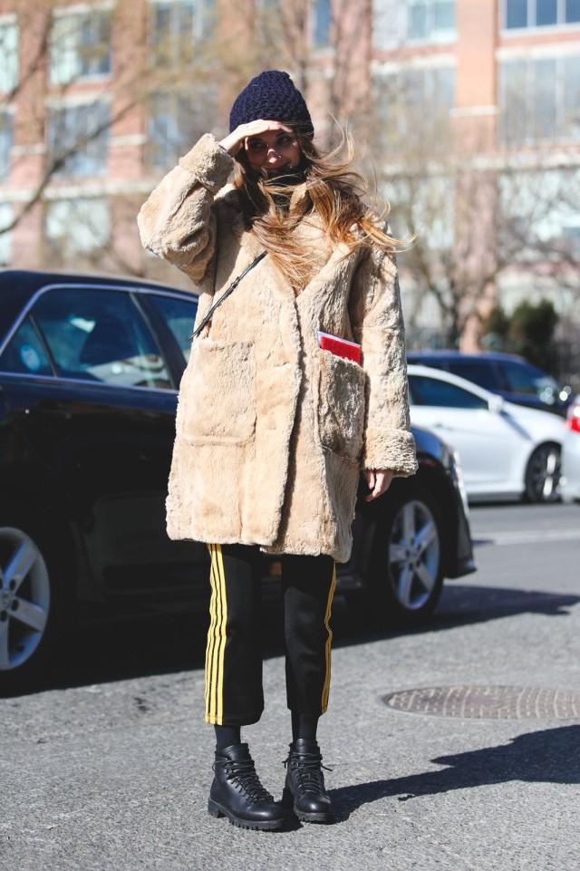 racing stripes-doc martens lace up boots-furry coat-beanie-nyfw street style-ref29