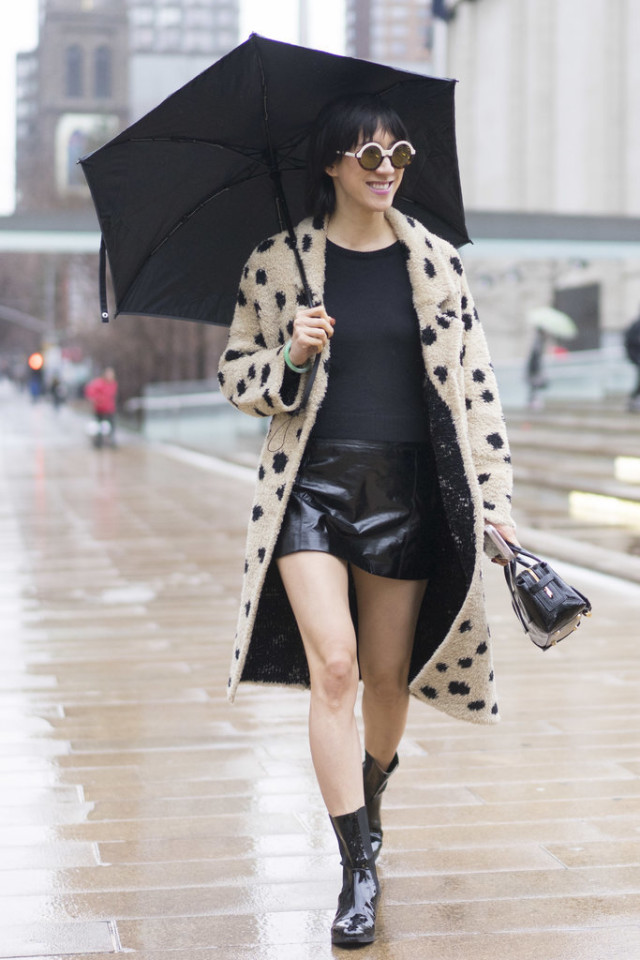 rain outfit-rain boots-black leather mini skirt-all black-fur coat-polka dot fur coat-eva chen-nyf w street style-