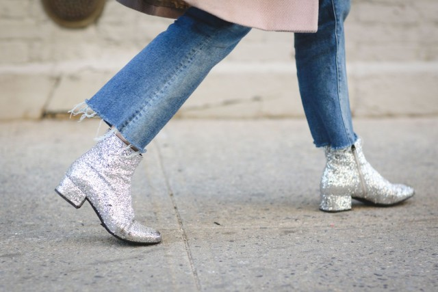 silver metallic glitter booties-frayed denim jeans-yfw street stsyle-refinery 2-cropped ejeans and booties