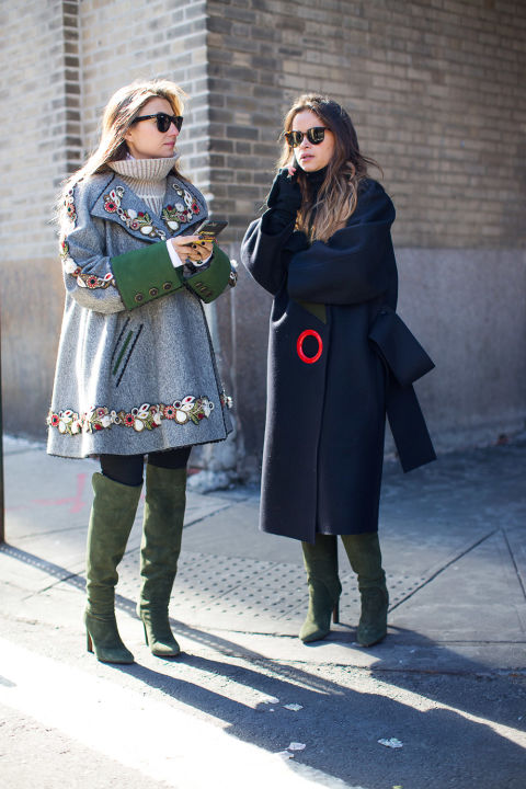 statement coats-turtleneck sweaters-twinning green boots-v